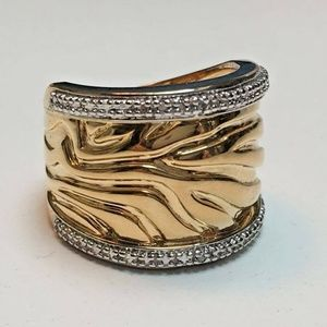 Solar Flare Texture Ring w/Diamond Accents